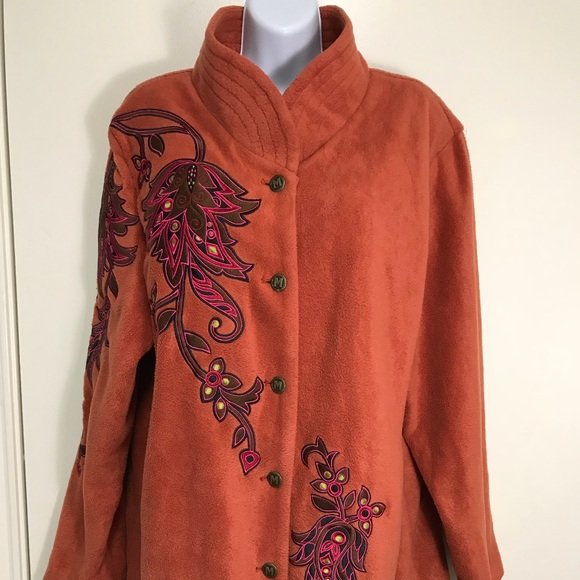 New Long Fleece Coat with Flower Embroidery